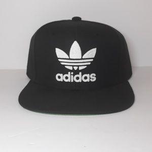 Adidas Mens Snapback Hat...